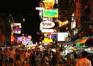 Tajlandia, Bangkok, Khao San Road. http://bez-granic.pl/2010/11/ulica-upadlych-aniolow/